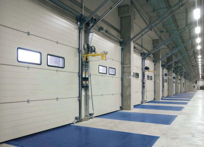 Применение промышленных секционных ворот